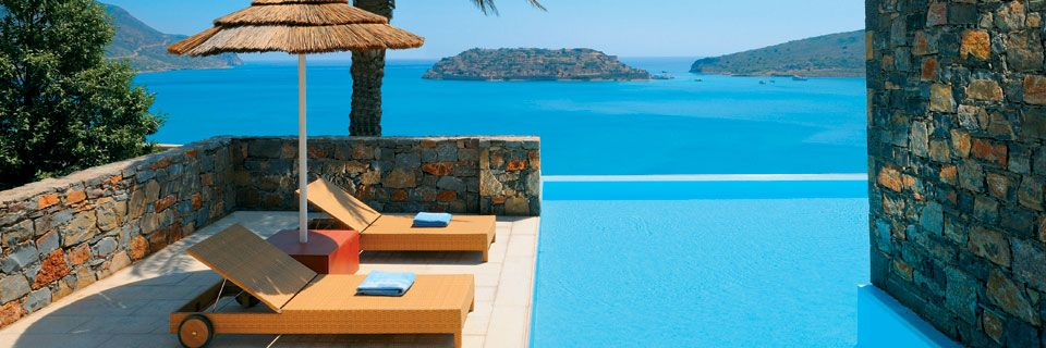Blue Palace Pool-of-Deluxe-Suite-